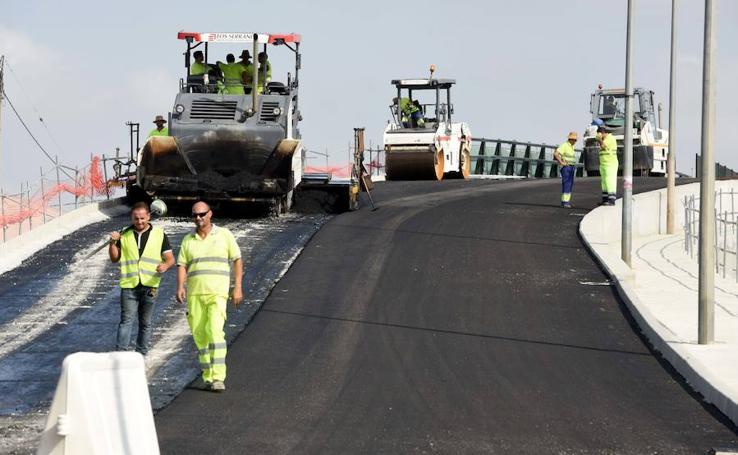 El nuevo puente de Tiñosa abrirá «antes» del inicio del curso escolar