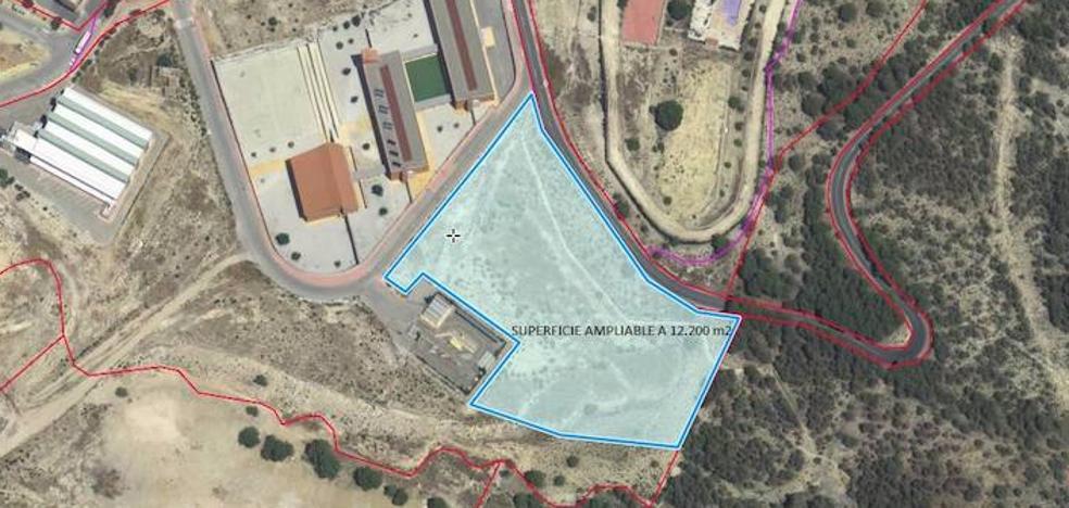La construcción del nuevo colegio se retrasa por falta de espacio para Primaria