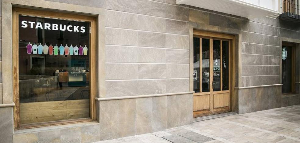 Starbucks abre su segundo establecimiento en Murcia