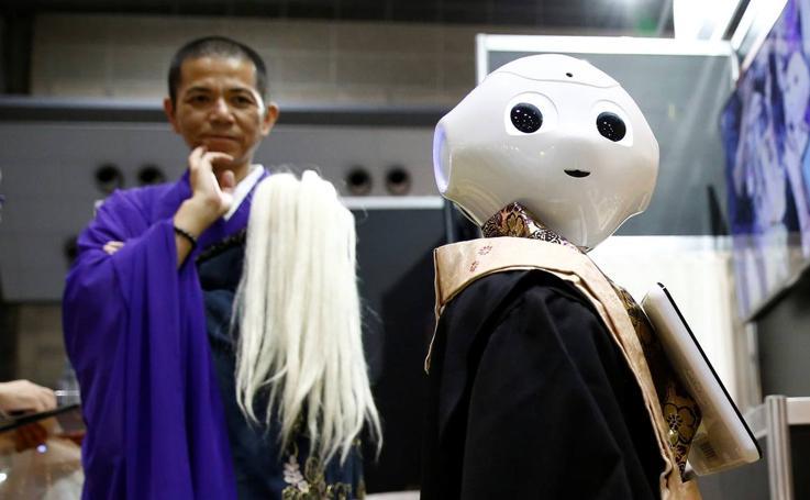 Pepper, el robot budista que oficia funerales