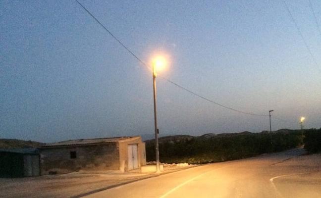 Servicios Municipales desmiente que existan 16 farolas averiadas en la pedanía de Comala