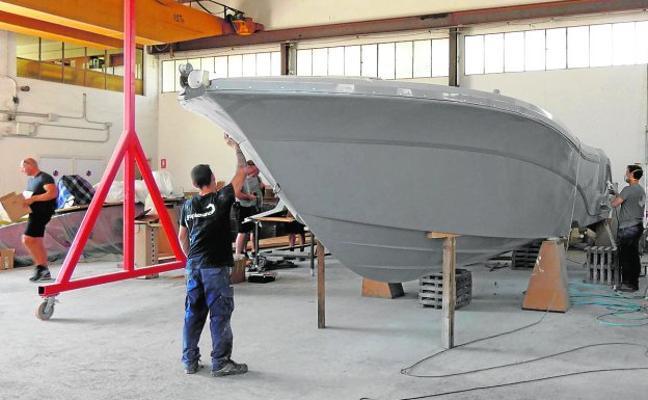 Una empresa yeclana fabrica el primer barco del mundo con grafeno