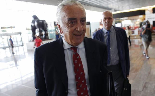 El árbitro del conflicto de El Prat apura los plazos y comunicará el laudo este jueves