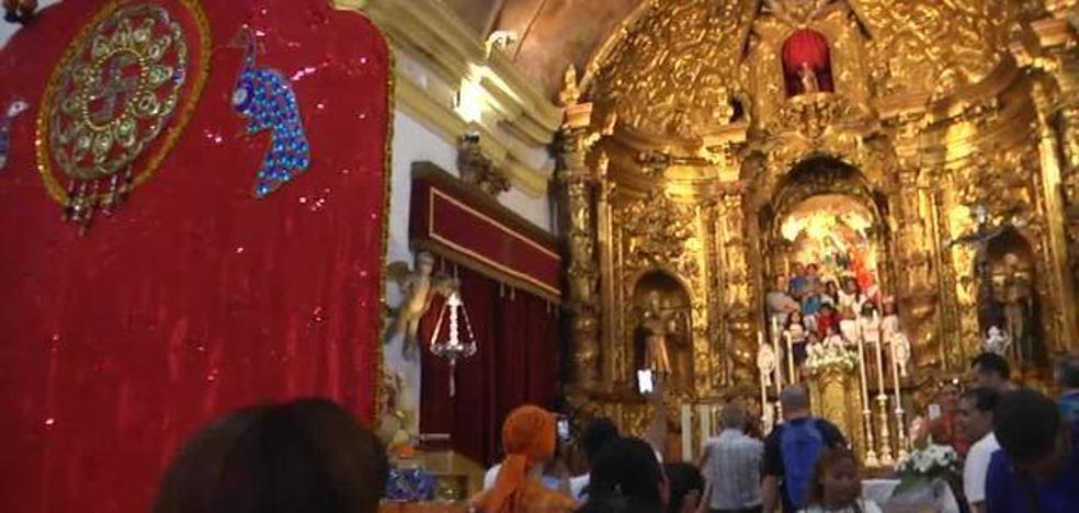 Dimite un cura de Ceuta por permitir entrar en una iglesia a una procesión hindú