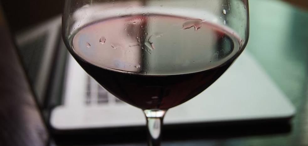 Estudios científicos acaban con el mito de tomar una copa de vino al día