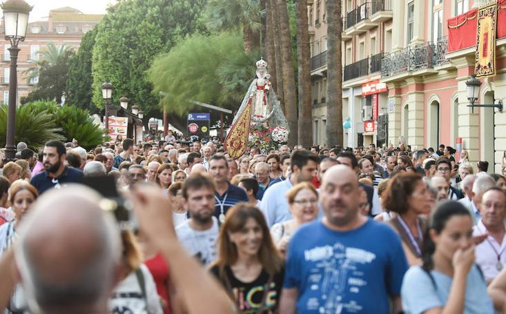 Murcia recibe con vítores a su Patrona