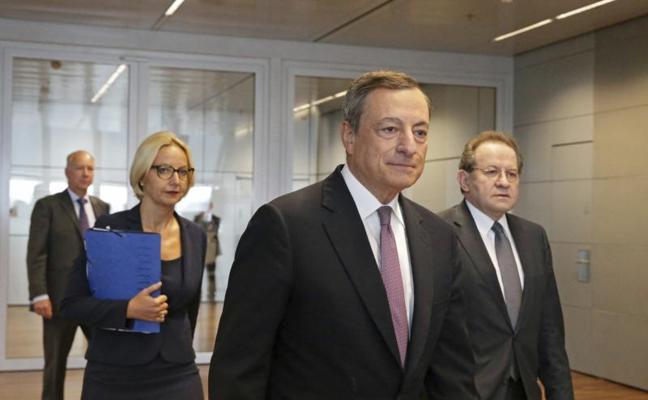 El BCE prevé un crecimiento del 2,2% este año con una inflación del 1,5%