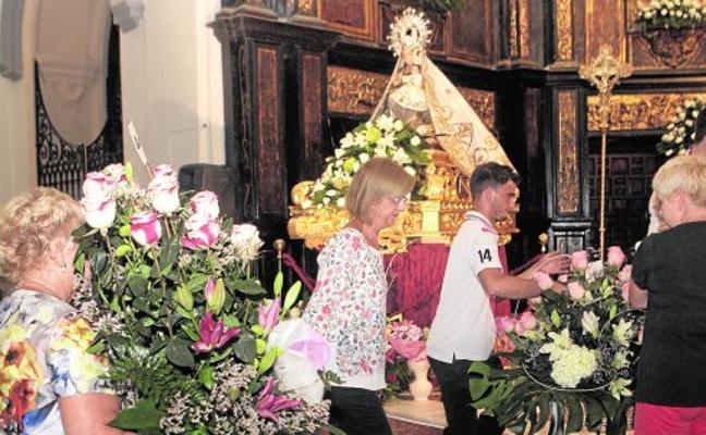 Limones y rosas para la Patrona