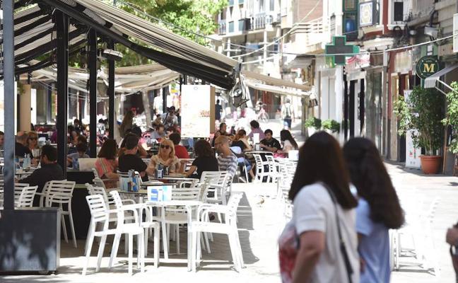 El espacio ocupado por las terrazas en Santo Domingo pasará de 186 a 106 mesas
