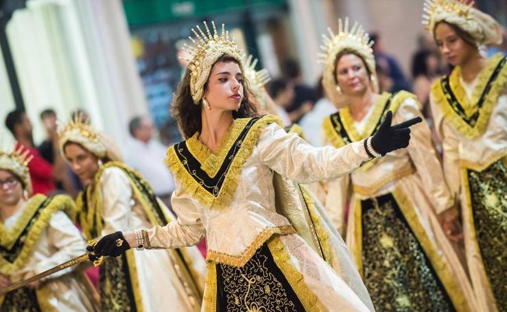 Moros y Cristianos devuelven a Murcia el esplendor medieval