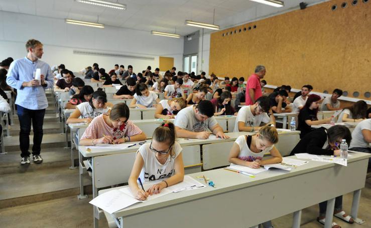 Unos 1.300 estudiantes de la Región se enfrentan desde hoy a la nueva Selectividad