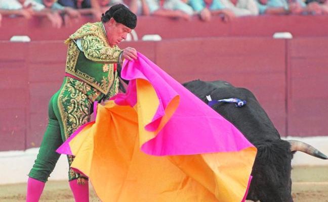 Curro se fue con una almohadilla