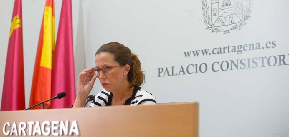 Castejón replica a MC que su continuidad en el Gobierno tampoco «es un cheque en blanco»