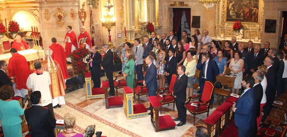 López Miras, nombrado Hermano Cofrade de la Santísima y Vera Cruz