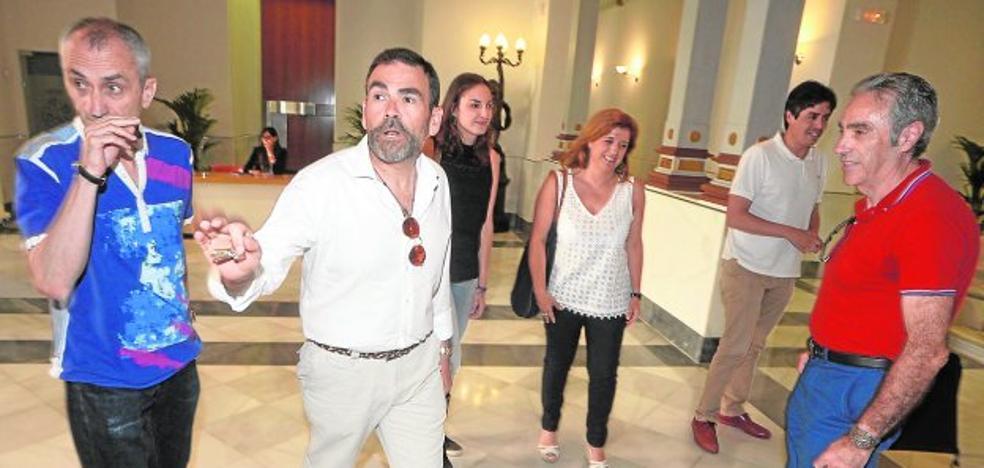 La designación de López como portavoz eleva en 3.300 euros el gasto en sueldos