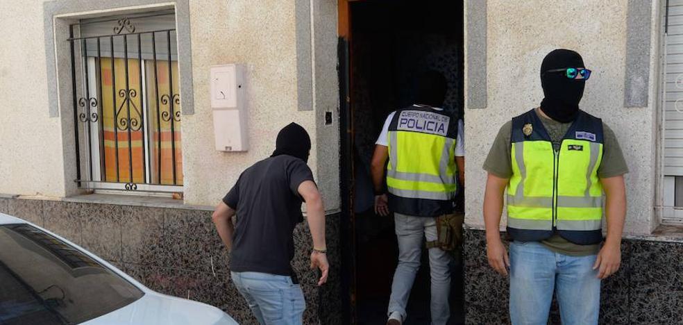 Cuatro detenidos en una redada antidroga en San Antón