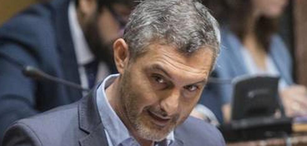 Urralburu anuncia la búsqueda de apoyos para una moción de censura contra Ballesta