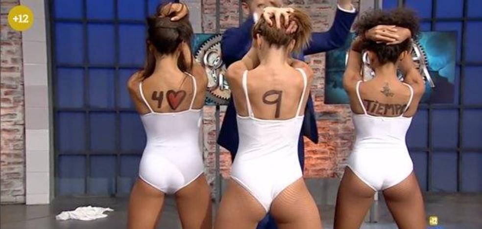 Acusan de machismo a TVE por cómo vestían unas azafatas