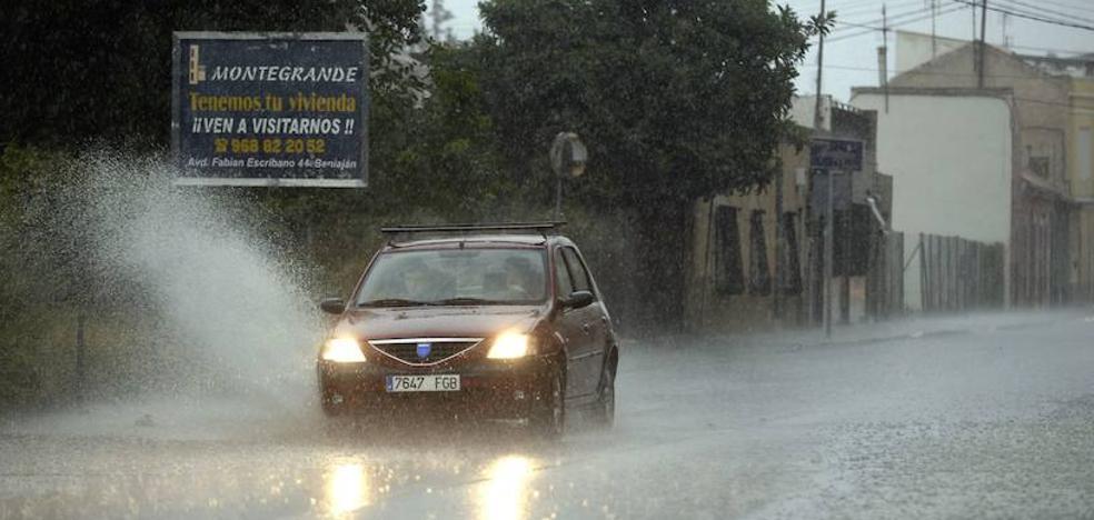 Meteorología emite una alerta amarilla por tormentas este viernes en el interior de la Región