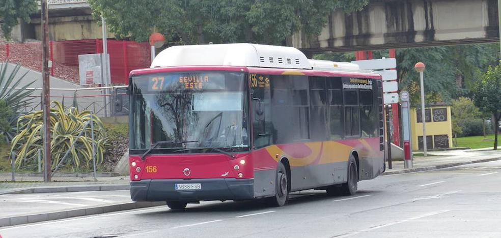 Embiste con su autobús a un coche porque el conductor le había llamado «cornudo»