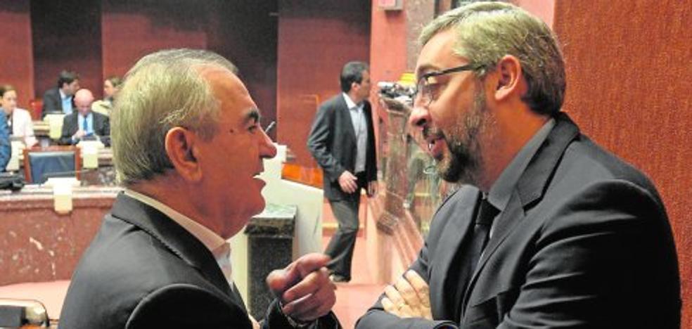 Rafael González Tovar deja la portavocía del PSOE en el Parlamento autonómico