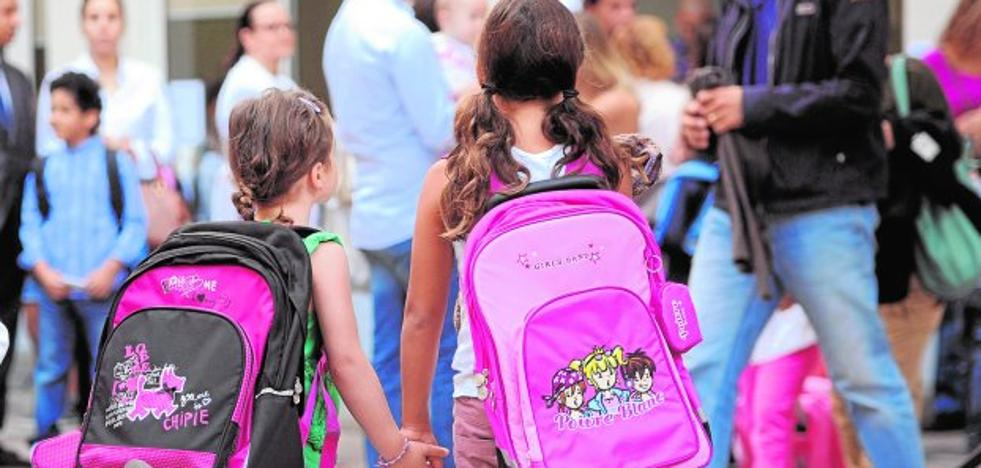 Los padres divorciados recibirán por duplicado toda la información académica de sus hijos