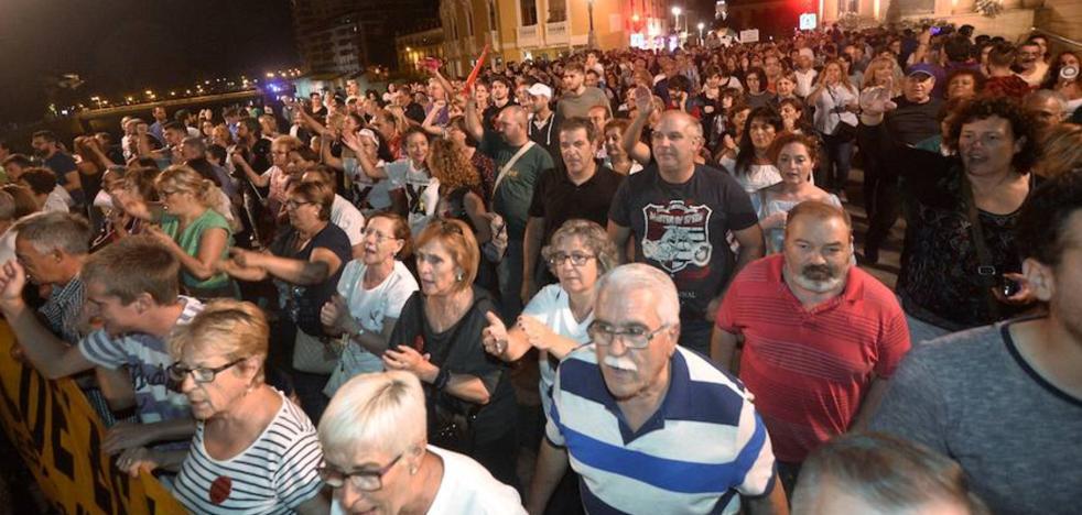 Miles de vecinos apoyan por quinto día las reivindicaciones pro soterramiento