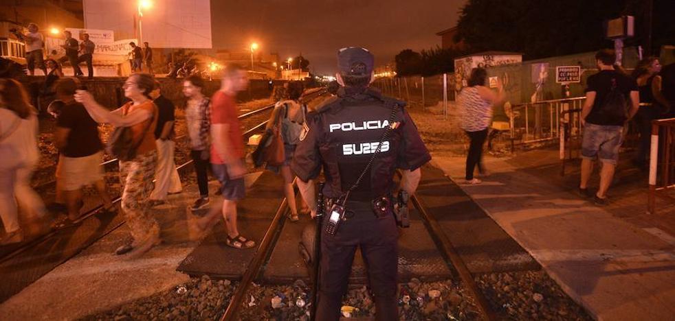 En libertad uno de los jóvenes detenidos por las agresiones a policías