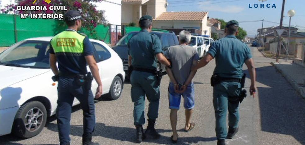 Detenido un matrimonio en Lorca por vender droga en su casa
