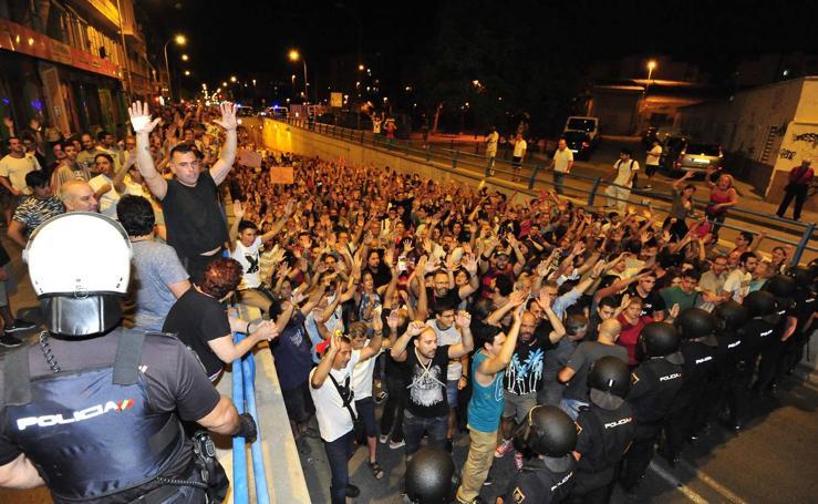 La protesta de los vecinos se extiende hasta El Rollo