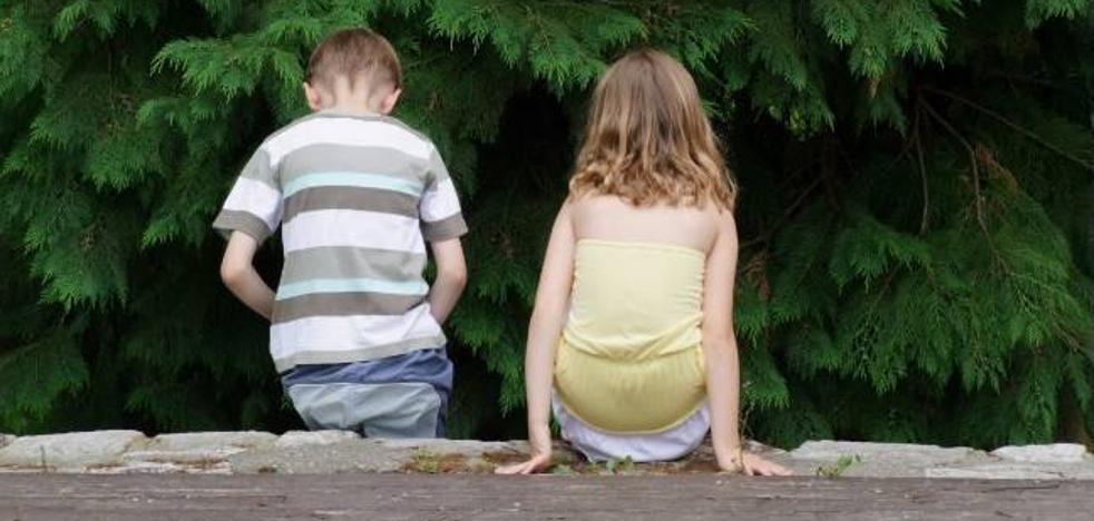 Un estudio revela que los hermanos pequeños son más divertidos que los mayores