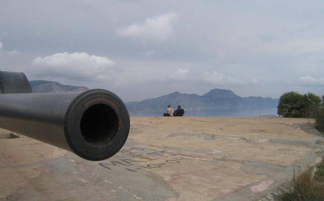 Cabo Tiñoso en el horizonte