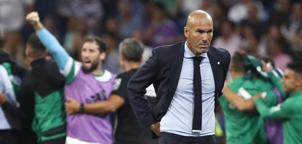 Zidane: «Cuando no quiere entrar el balón puede pasar esto»