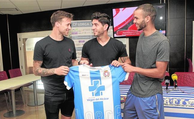 Tres fichajes para ayudar al Lorca Deportiva