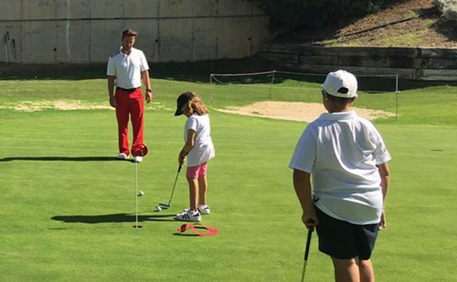En marcha la tercera edición del curso de golf adaptado