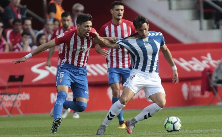 La falta de gol condena al Lorca FC ante el Sporting de Gijón (1-0)