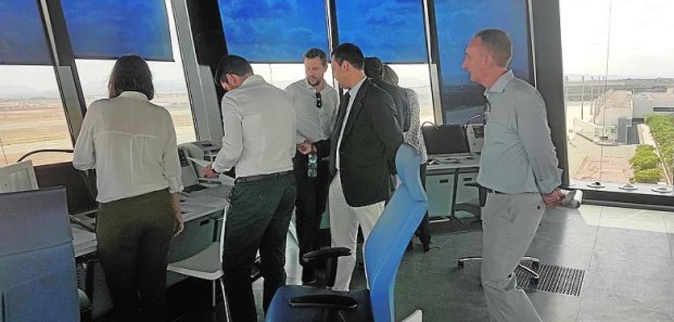 Aena y Edeis comprueban el estado del aeropuerto de Corvera en pleno concurso