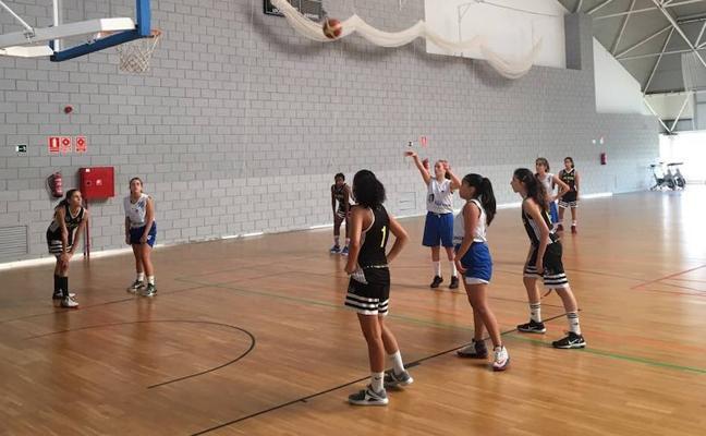 Catorce equipos de toda la Región disfrutan del III Torneo Ciudad de Lorca de baloncesto