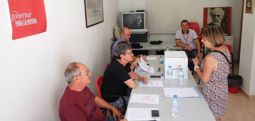 Los candidatos a liderar el PSRM animan a los militantes a participar en un «momento histórico»