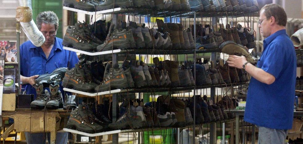 La industria murciana de calzado ve frenada su expansión en el exterior