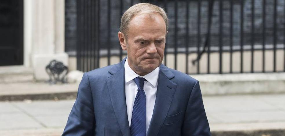 Tusk avisa a May de que no hay «avances suficientes» en la negociación del 'Brexit'