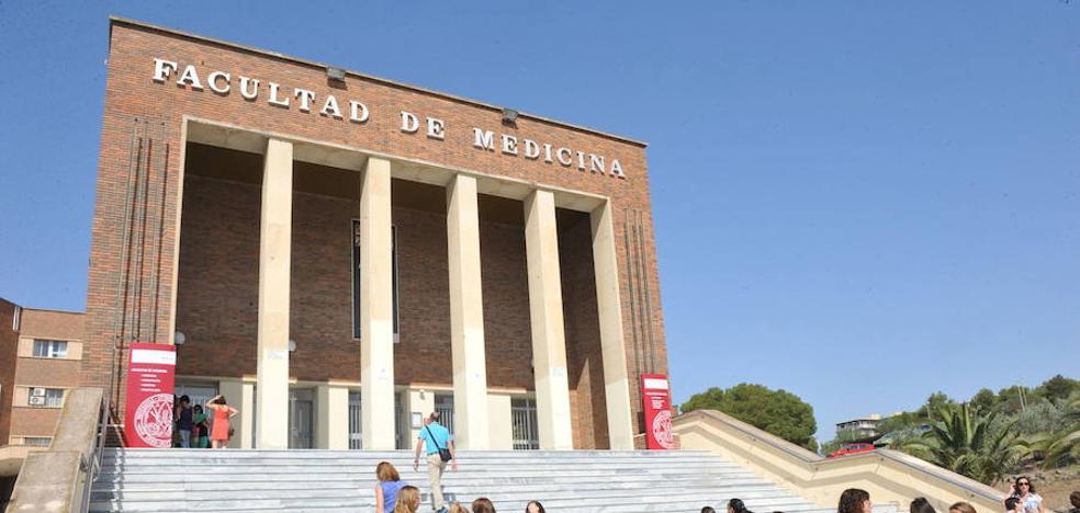 La UMU cubrirá 54 plazas de catedráticos y profesores