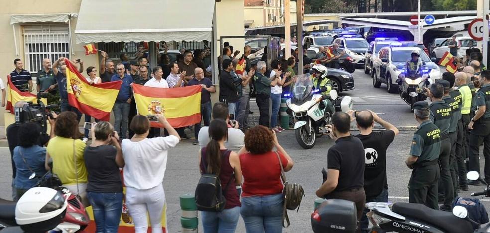 Un centenar de policías y guardias civiles de la Región salen de Murcia para sumarse al plan frente al 1-O