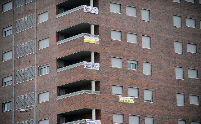 La firma de hipotecas sobre viviendas acelera su avance en julio hasta el 32,9%
