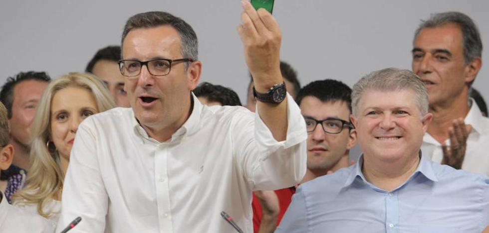 Diego Conesa vence en las primarias del PSOE
