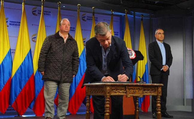 El jefe del ELN ordena a las tropas rebeldes el alto al fuego en Colombia