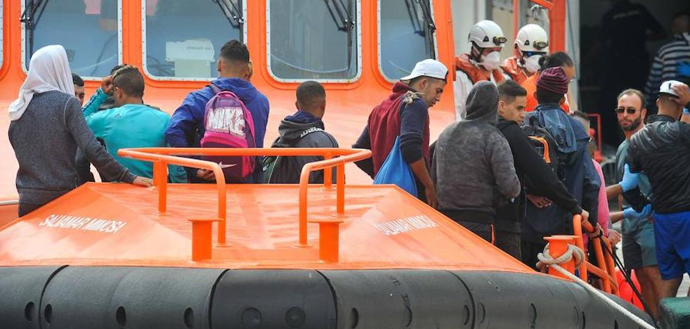 Más de un centenar de inmigrantes llegan a la Región en once pateras en menos de veinticuatro horas
