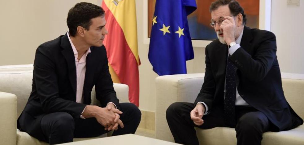 Rajoy constata la dificultad de aunar posiciones con PSOE y C's ante la crisis catalana