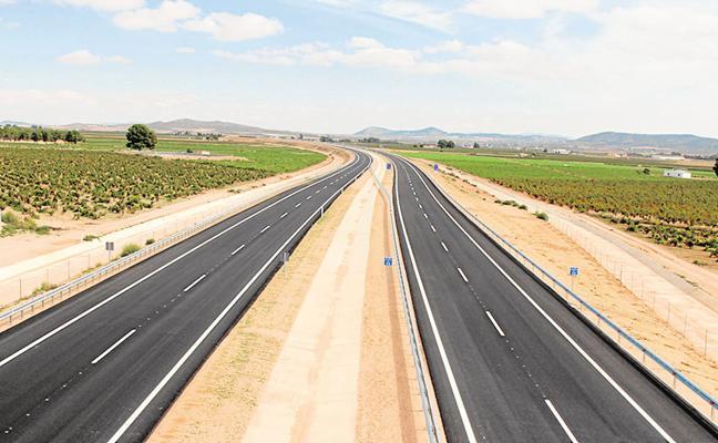 La autovía de Yecla quedará abierta al tráfico a mediodía tras inaugurar el tramo el ministro de Fomento