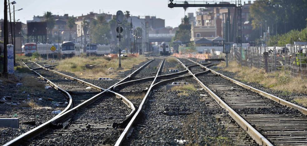 El tráfico de trenes seguirá cortado en Murcia al menos otros dos días